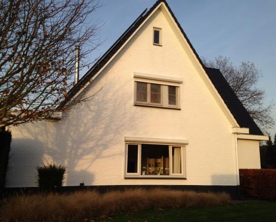 Huis wit geverfd